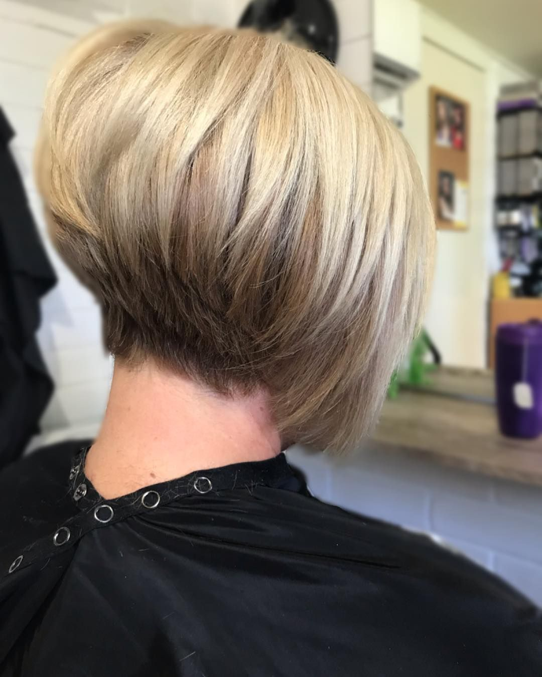 Teigan Miller Hair Stylist On Instagram Hair Goals I Seriously Love A Concave Bob And That Blonde Olaplex Hair Stylist Hair Goals Concave Bob