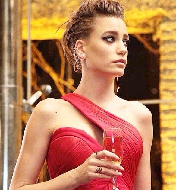 Ulyana Adlı Kullanıcının Clothess Panosundaki Pin Midi Elbise Stil Moda Kombinleri
