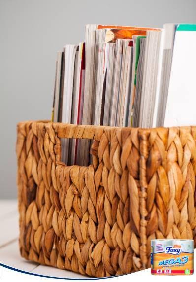 Las revistas viejas ocupan mucho espacio en tu salón. ¡No hay motivo para que tu casa tenga más publicaciones que la peluquería! Si sabes que ya no vas a volver a leerlas, haz limpia regularmente para eliminar las que sobran.