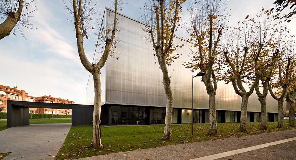 Pista de patinaje y Pabellón Municipal de Deportes en Olot. BCQ Arquitectes. Fotografía: Pedro Pegenaute.