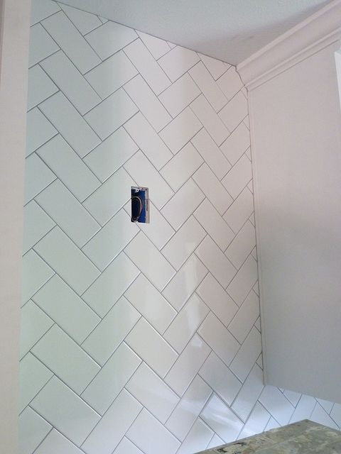 diagonal bathroom tile herringbone diagonal subway tile great accent idea 12684