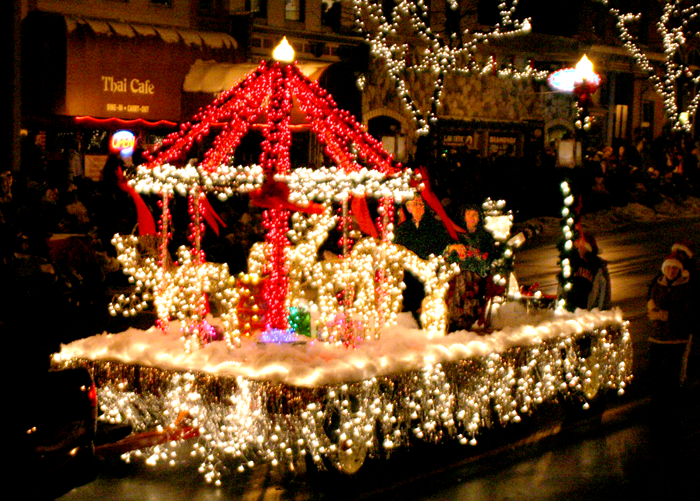 Christmas Float Ideas With Lights.Pin By Mz Packrat On Light Parade Christmas Parade Floats