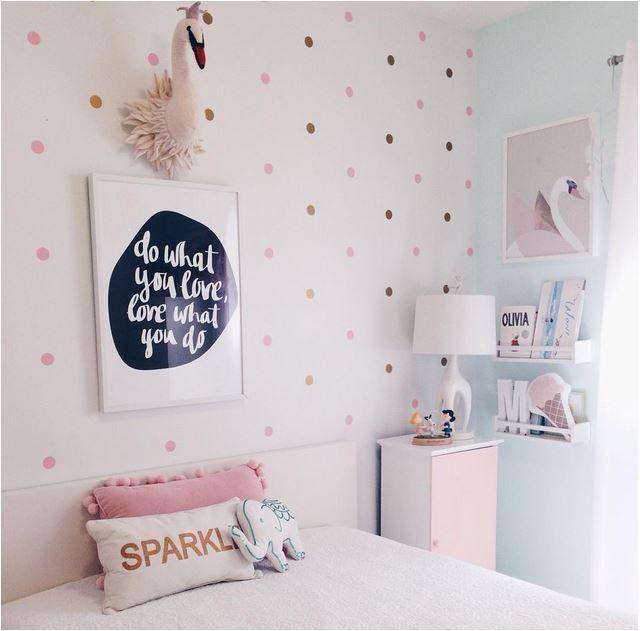 una pared con lunares cuarto de Alaia   Alaia   Pinterest   Lunares ...