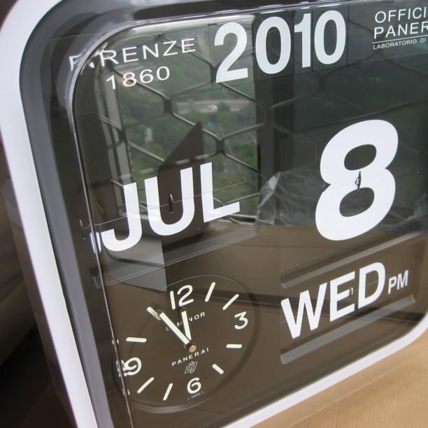 Panerai Karlsson Big Flip Clock white, black, clock