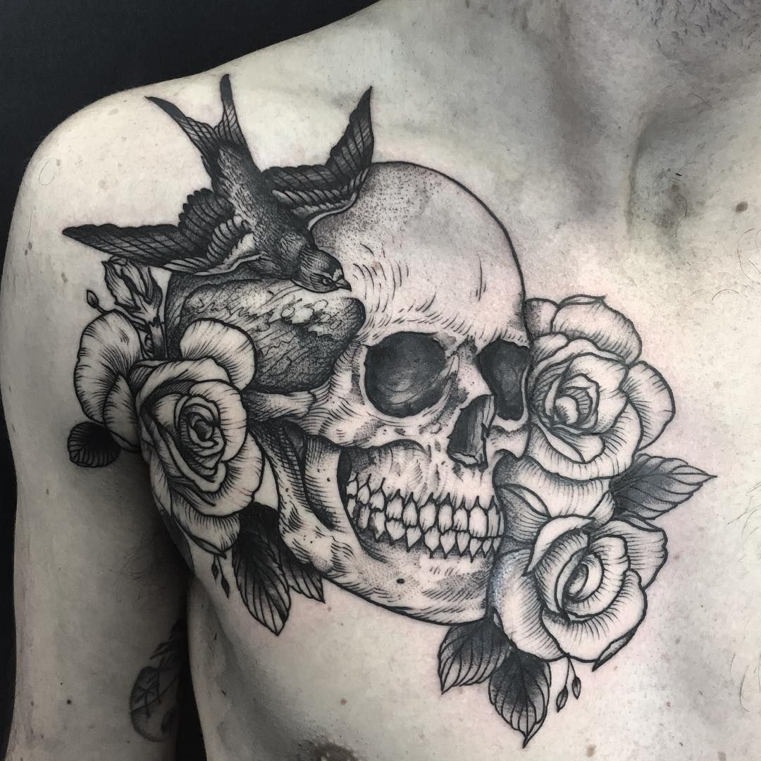 Skull And Roses On The Chest Done On Davidfisher29 Done Blacklotusta2 Cheers Pal Henbo Tatuagem De Caveira Tatuagem Masculina Peito Caveira E Ossos Cruzados