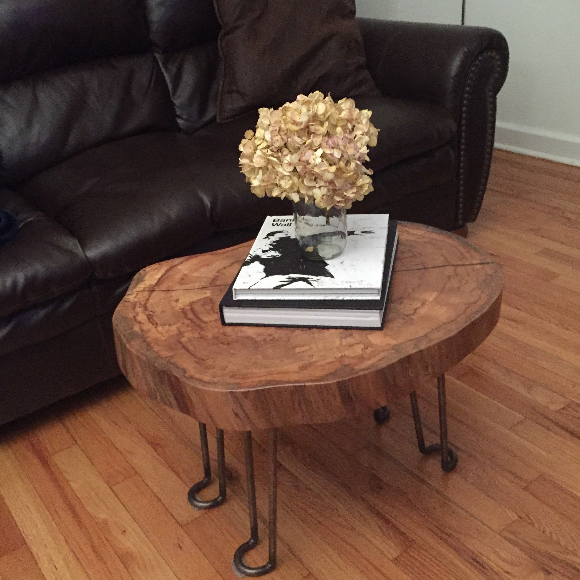 Rustic Wood Slice Coffee Table: Home Decorating Art Oval Cut Log Slices And Tree Rounds
