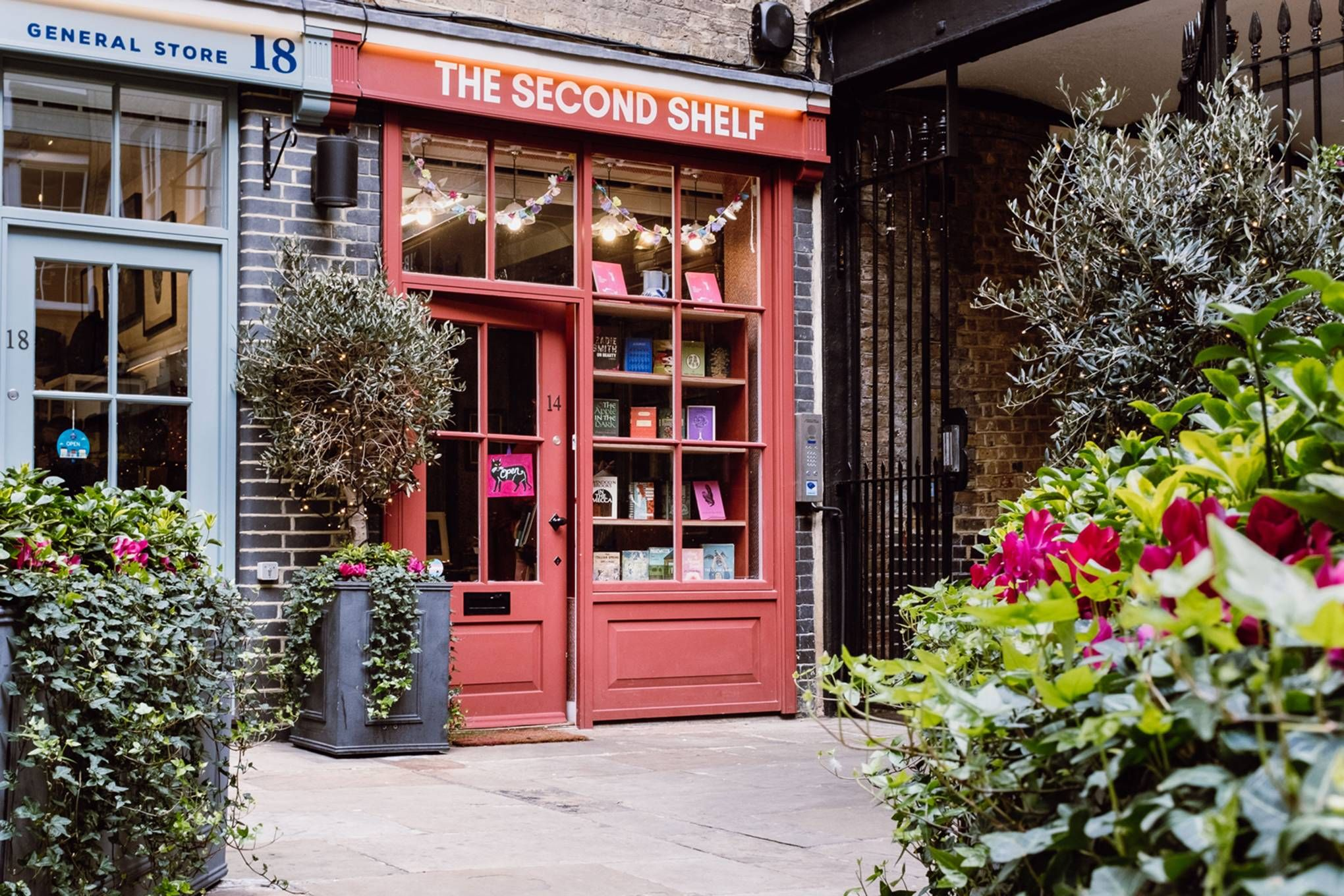 10 lovely independent bookshops in London –that deliver