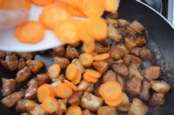 Cozinha Luisa! - Blog de receitas e dicas do dia-a-dia: Curry Simples com Frango e Cenoura