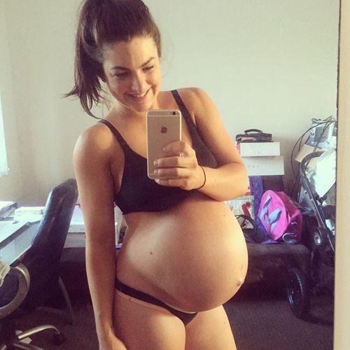 Tara reid nipple