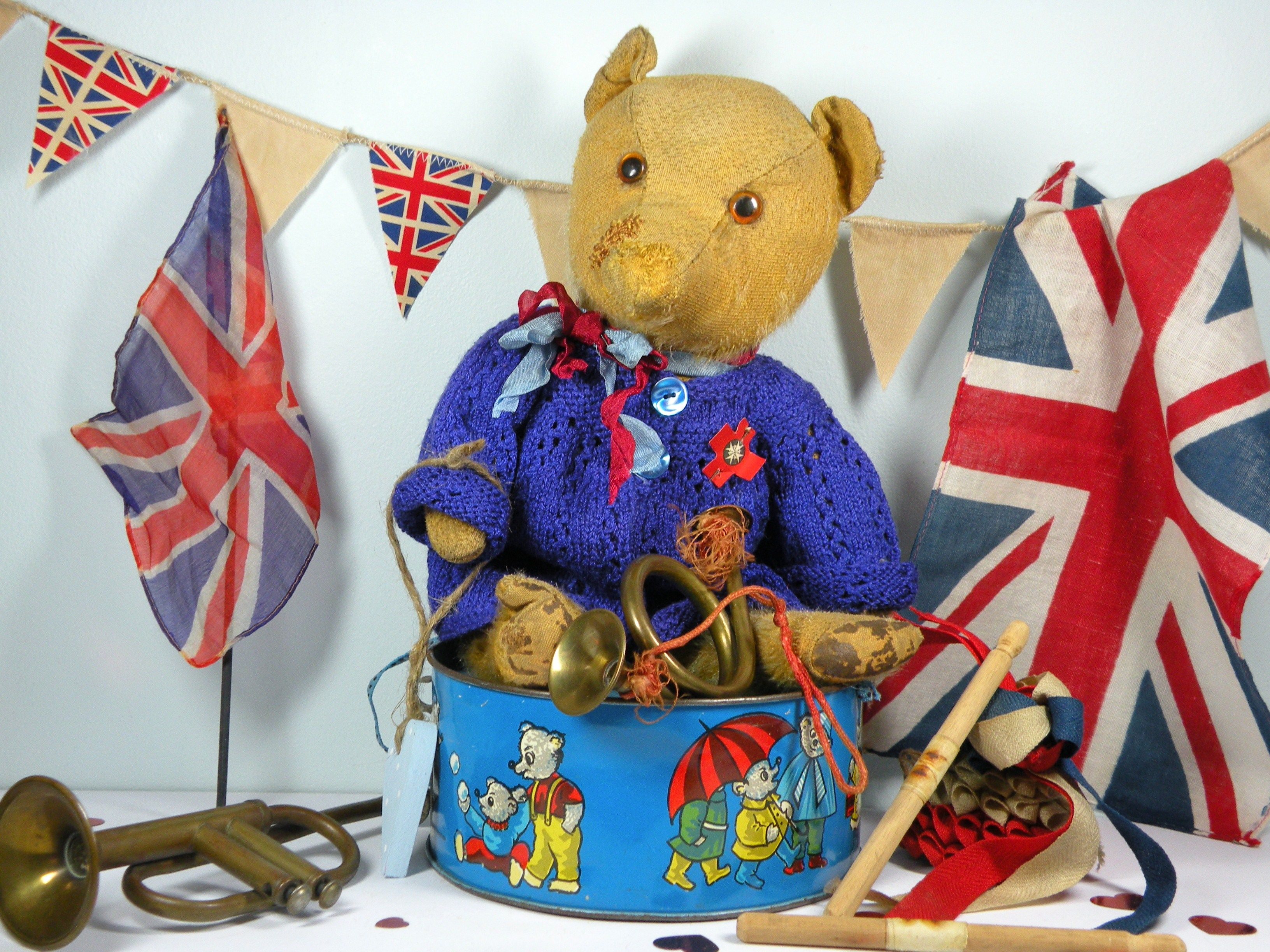 Poor Old Teddi-Bare a well loved Once upon a time bear C1950 English bear www.onceuponatimebears.co.uk