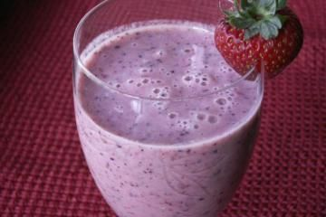 12 oz ice  banana  cup vanilla yogurt  tbsp flax seeds  tbsp honey  cup pineapple  cup blueberries  cup strawberries  18 cup orange juice   http://www.yummly.com