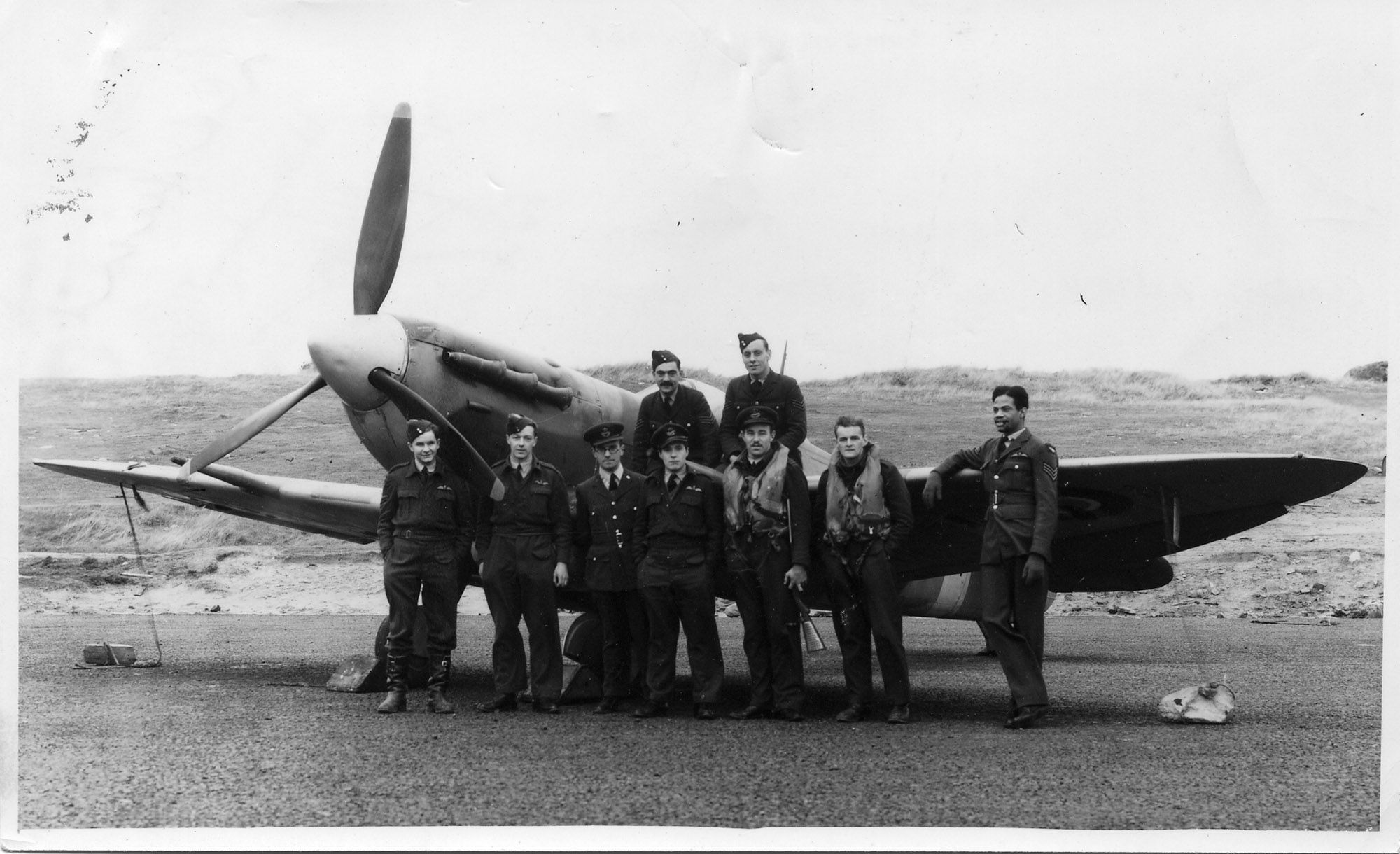 West Indian aircrew - volunteers in the RAF during WW2 ...
