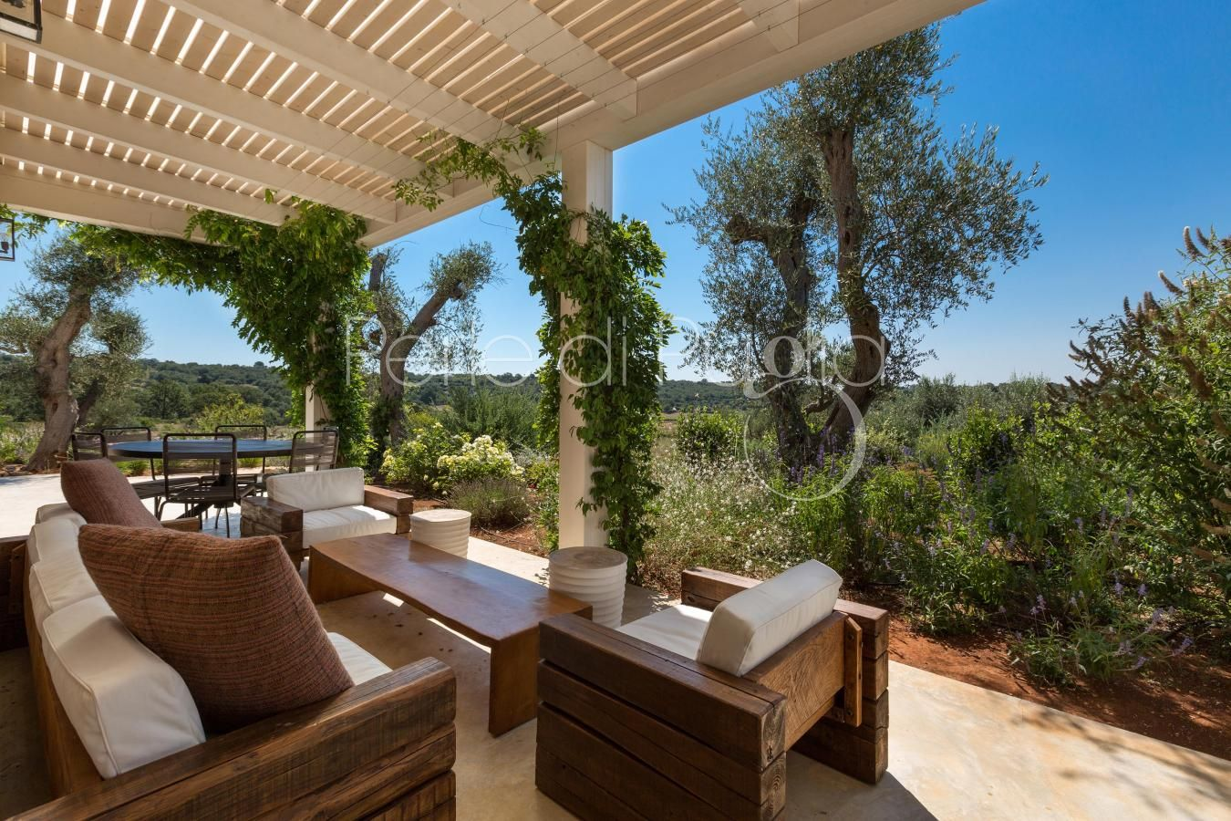 Le Ali Bianche is an exceptional luxury villa with