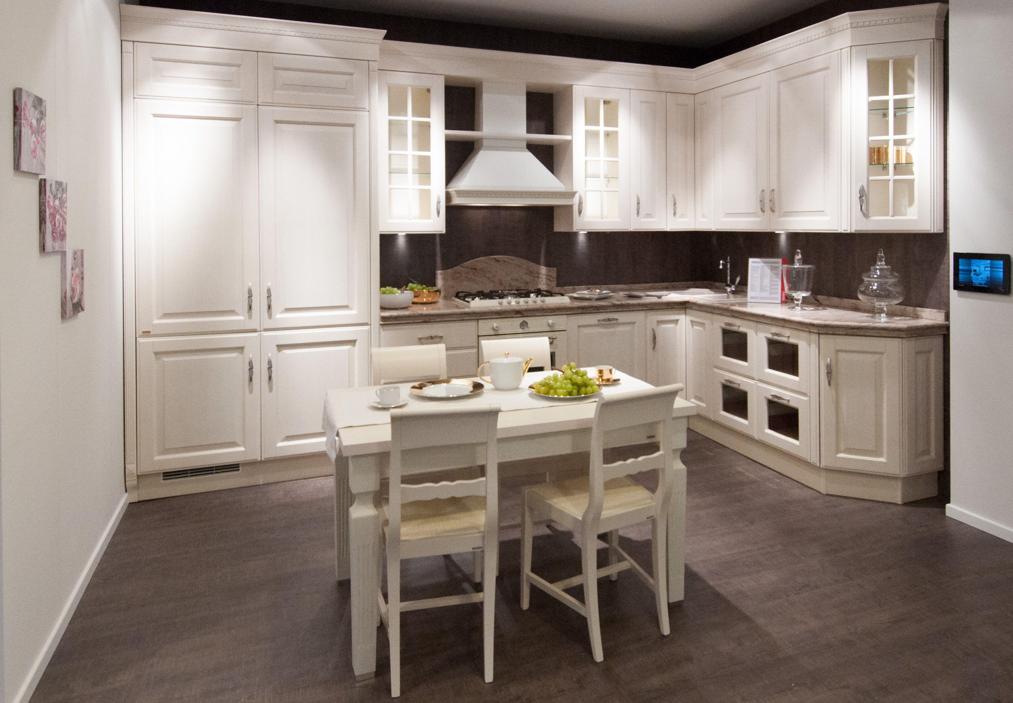 Cucine classiche Scavolini - composizione ad angolo | Arredamento ...