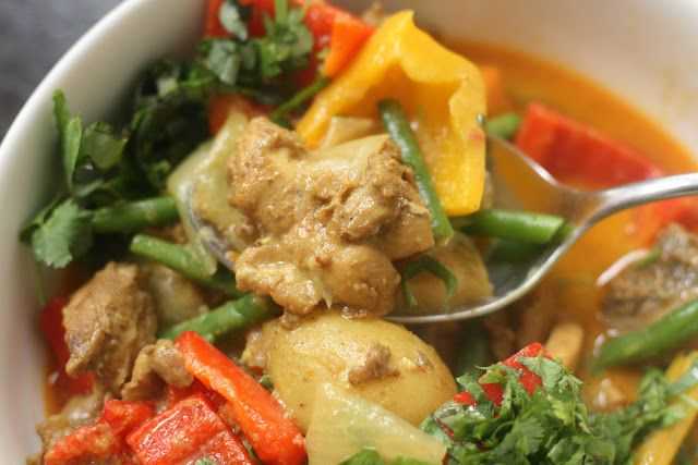 Delicious chicken vegetable curry recipe [and great blog too!]