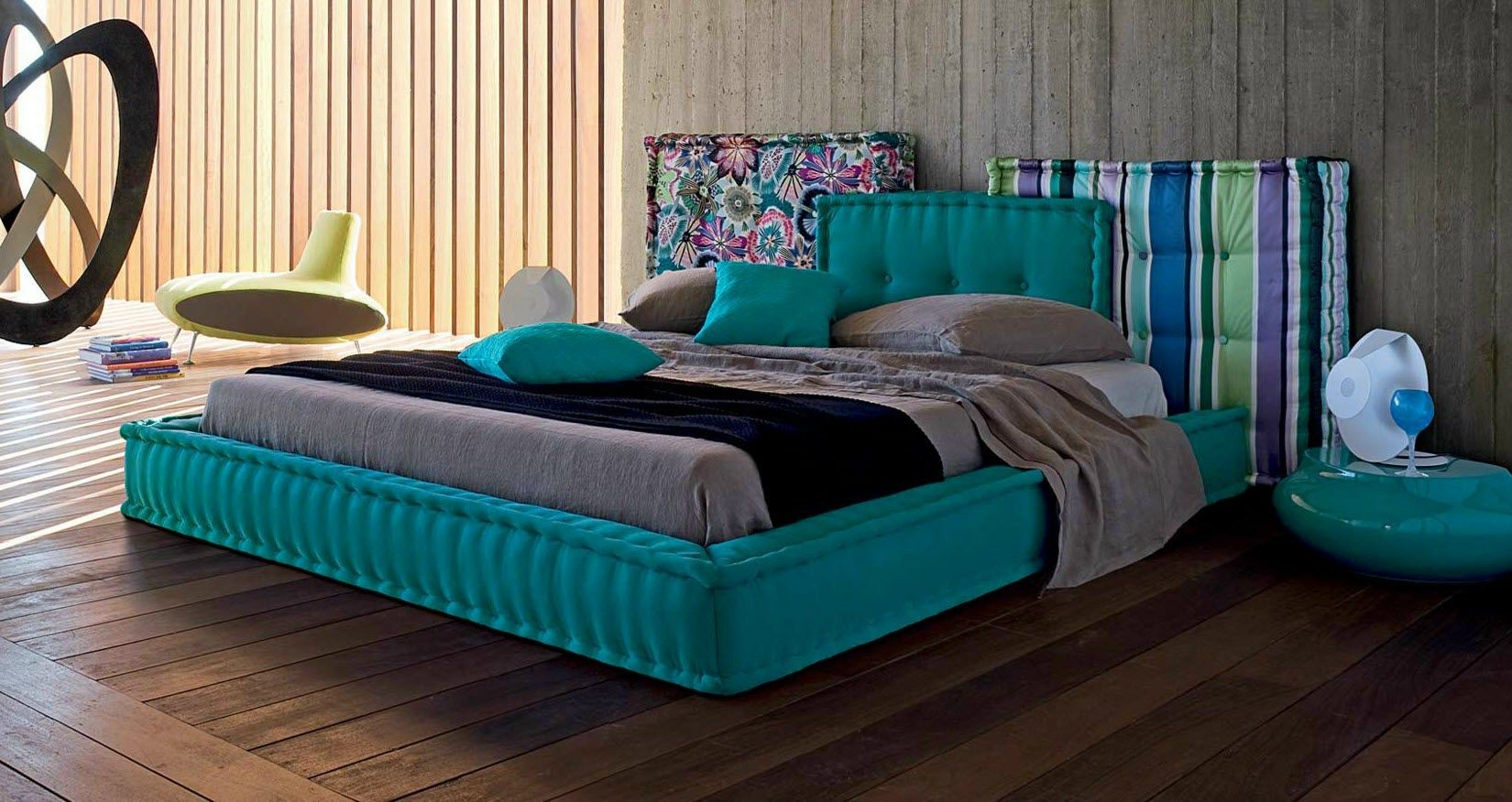 double bed with upholstered headboard mah jong les. Black Bedroom Furniture Sets. Home Design Ideas