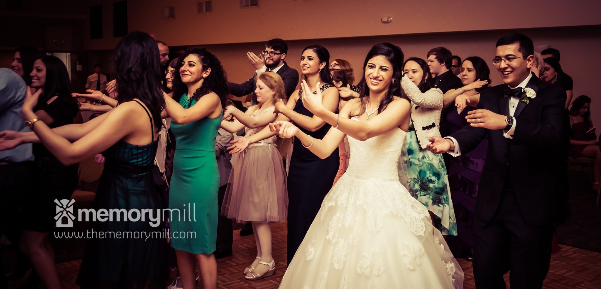 Houston Wedding Photography Reception Bride And Groom Dance With Guests Professional Photo Editing