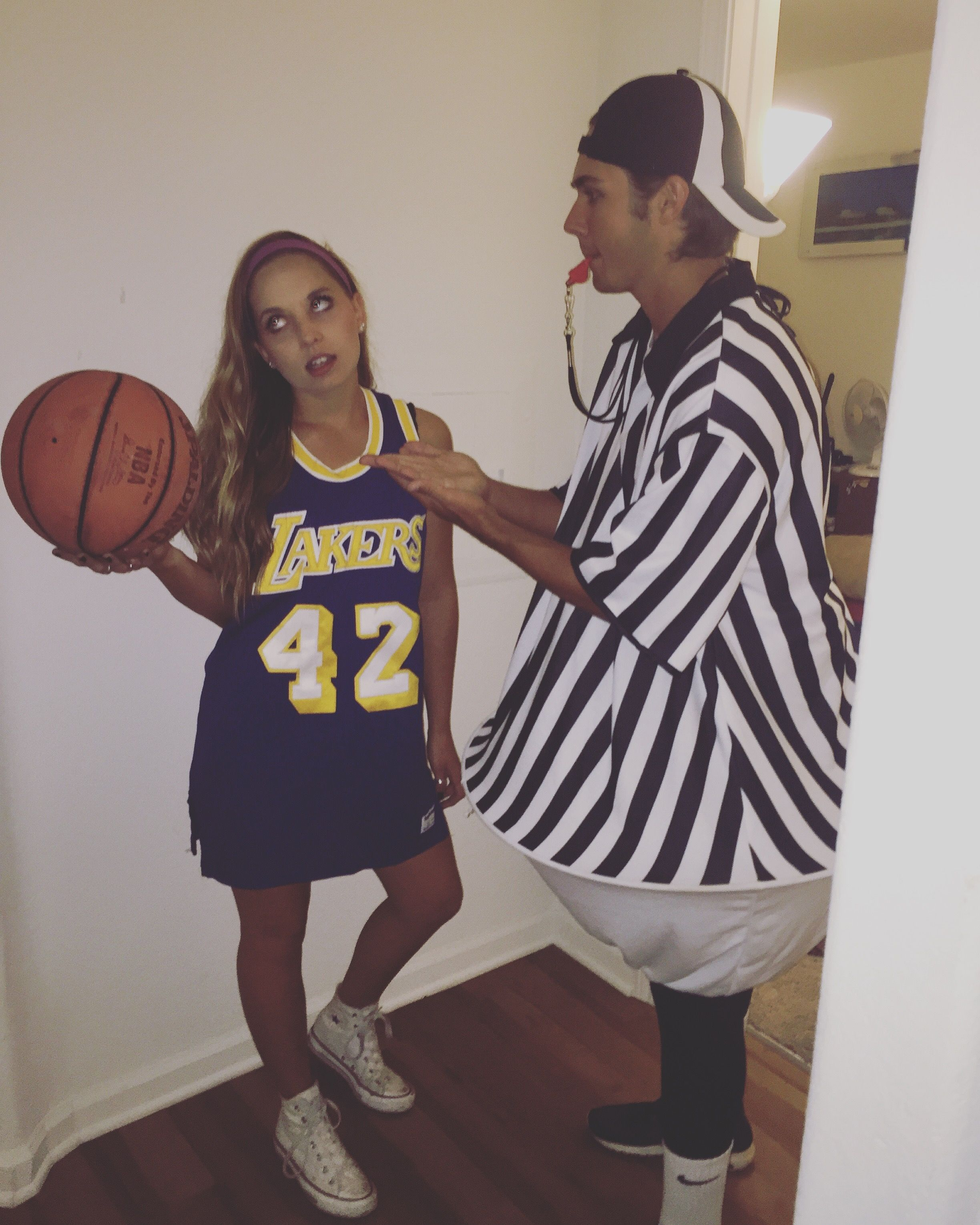 referee and a basketball player diy costume ♡ daniellebonita