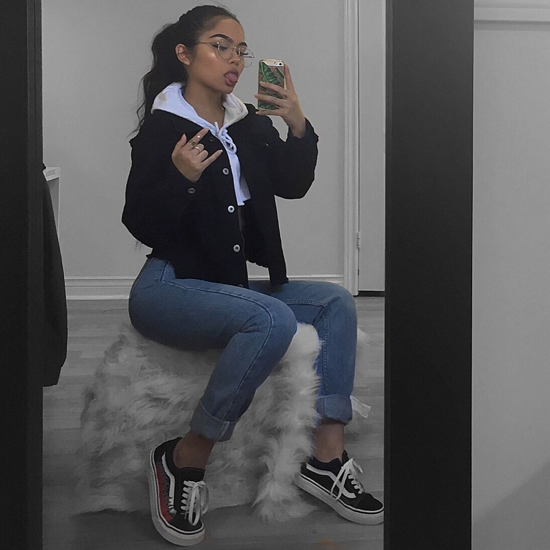 Black Denim Jacket Oldskool Vans White Cropped Hoodie This Female Messin Up The Game Whaaaat Bomb Vestido Tumb Boujee Outfits Clothes Tumblr Outfits