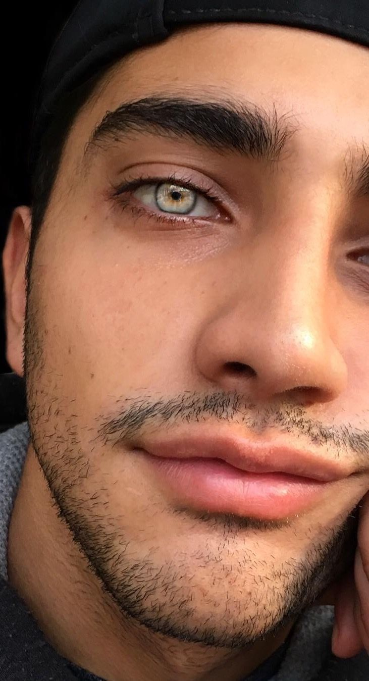 Pin By Alopezdual On Pretty Boy Guys With Green Eyes Beautiful Men Faces Just Beautiful Men