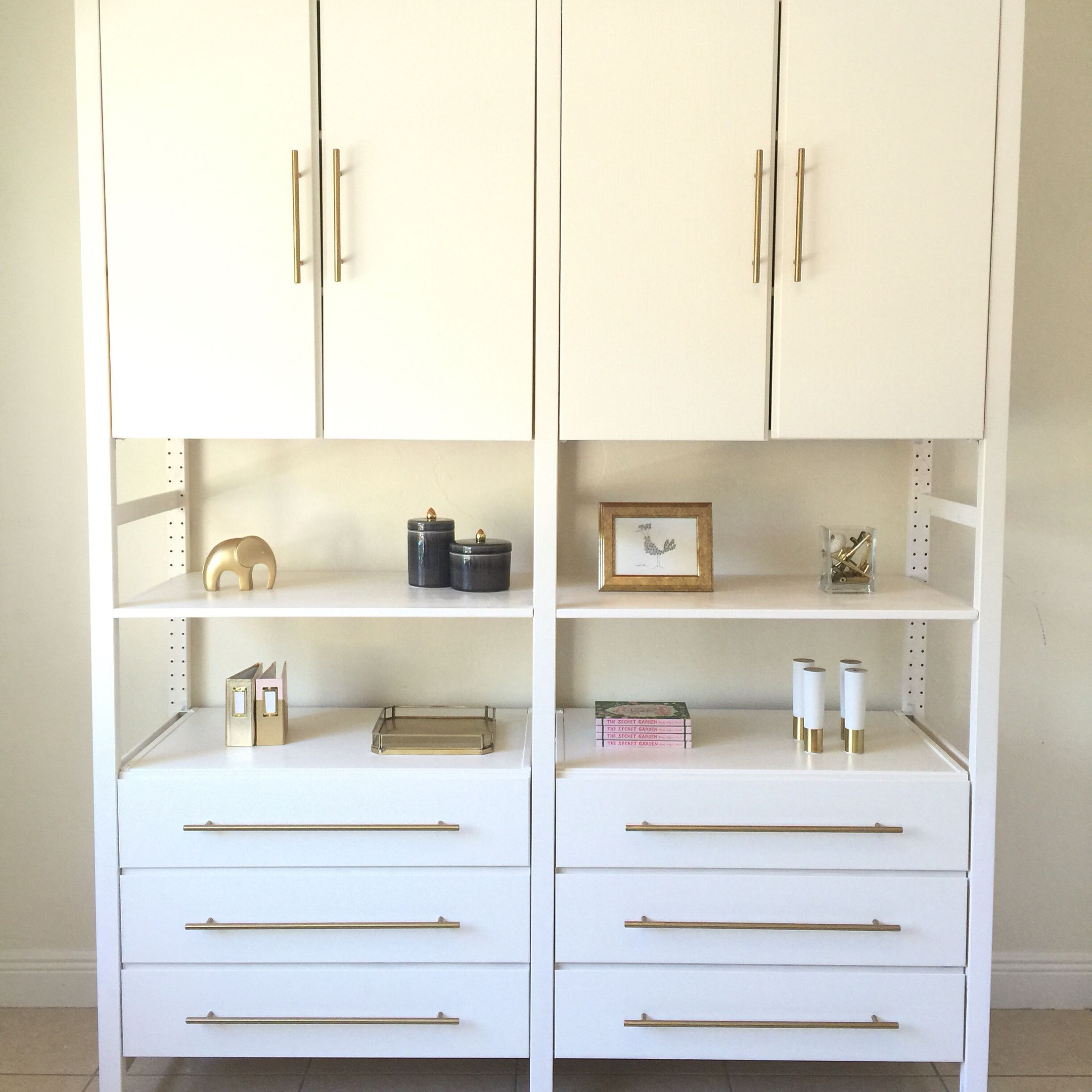 sleek storage sideboard ikea console hackers combination besta with p doors media pulls housey from gloss drawer whiteselsviken high clean