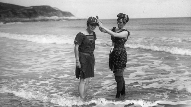 45a51783ab Before the Bikini: Rare Vintage Beach Photos - weather.com | Vintage ...