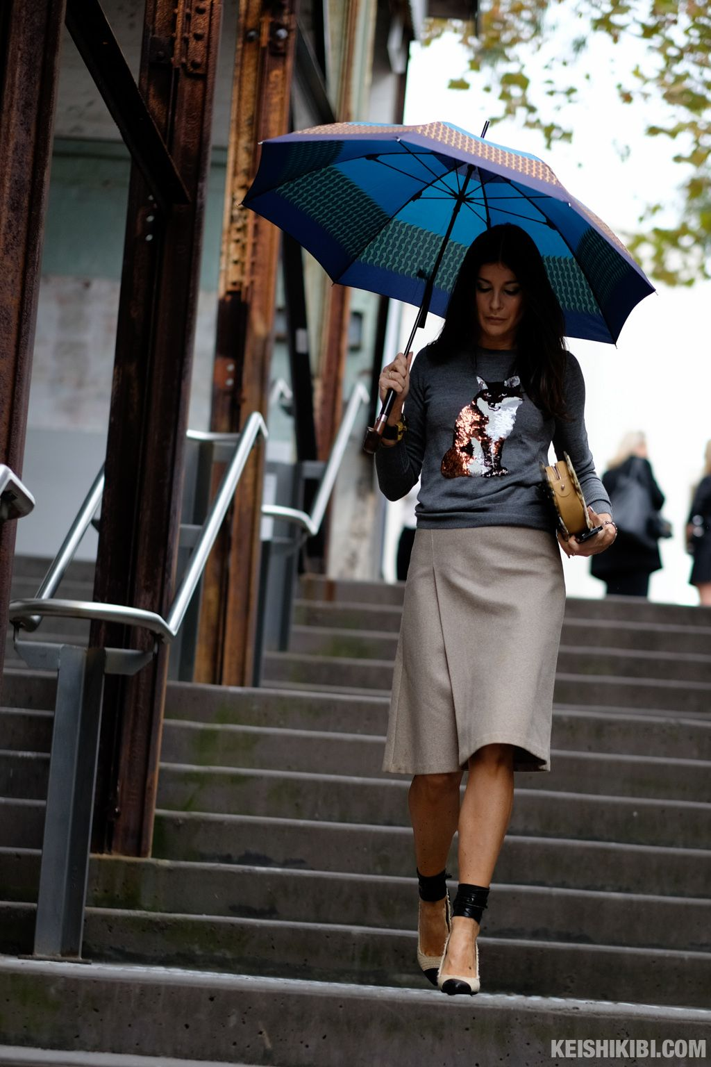 chic in the rain