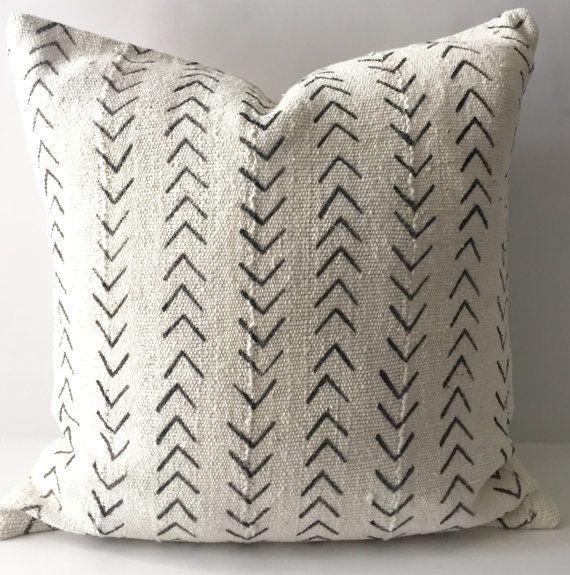 22 Best Mudcloth Pillows Design Ideas Decoratop African Mudcloth Pillow Mudcloth Pillow Homemade Pillows