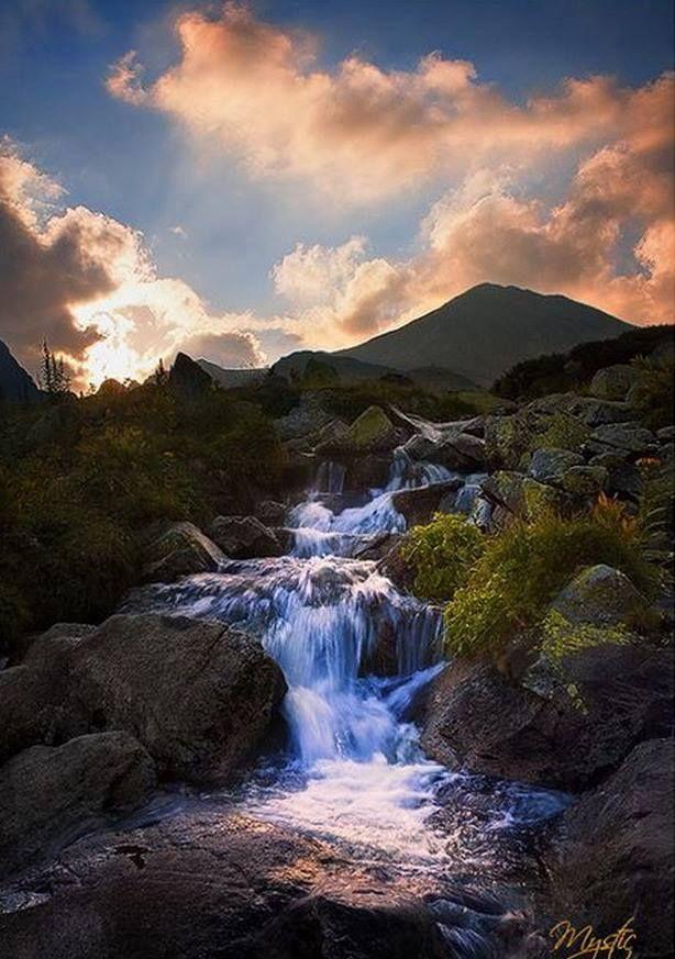 Chutes Victoria: Retezat National Park, Romania
