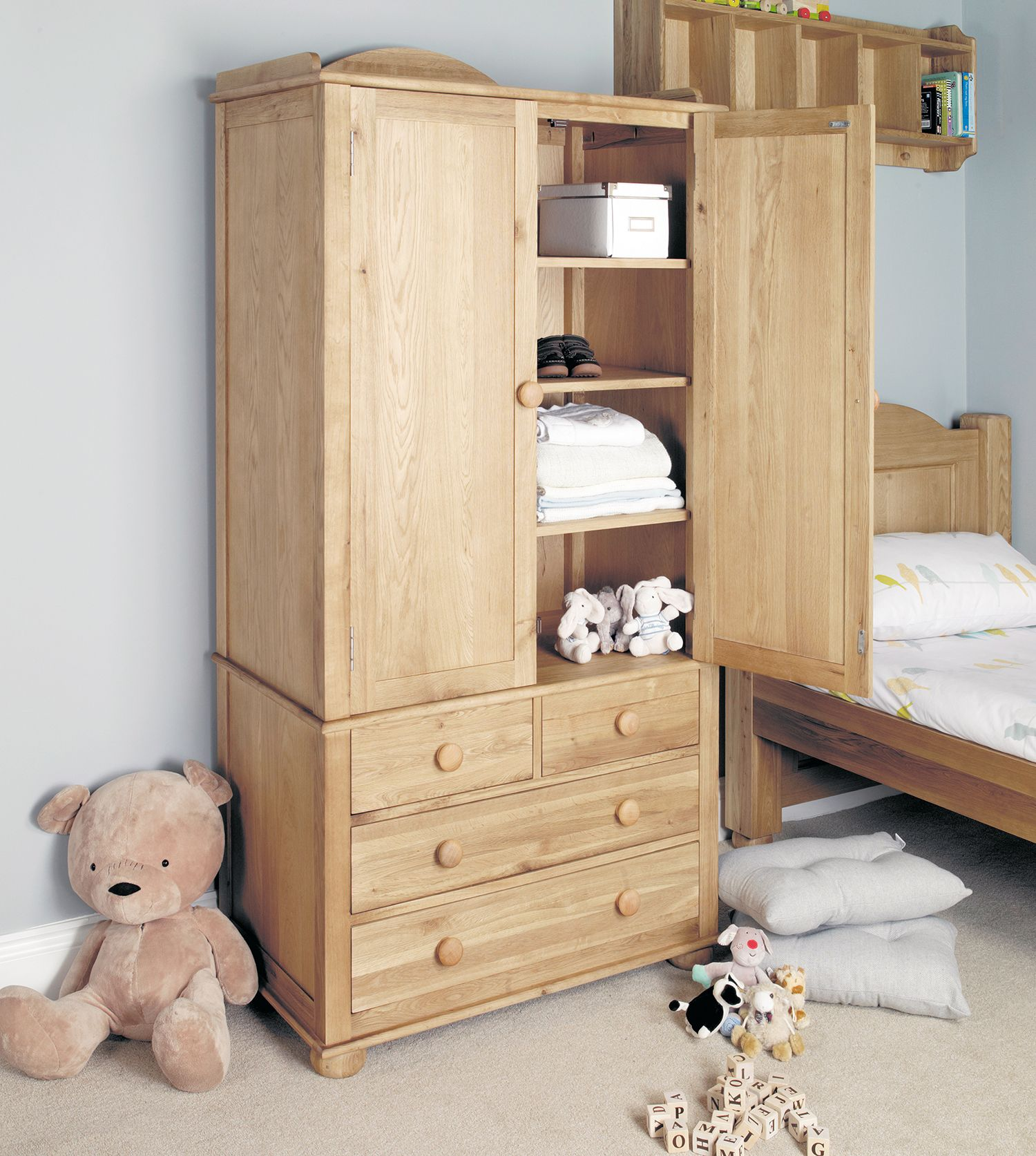 Amelie Nursery Double Wardrobe With 4 Drawers Solid Wood Furniture With A Natural Neutral Finish Wardrobe Furniture Furniture Bedroom Furniture