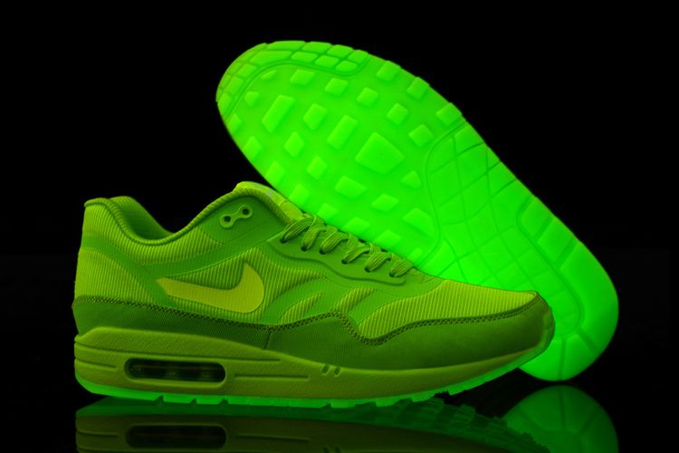 Nike Glow In The Dark Running Shoes August 2017