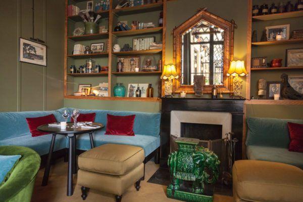 Petit salon du restaurant le Bambou.