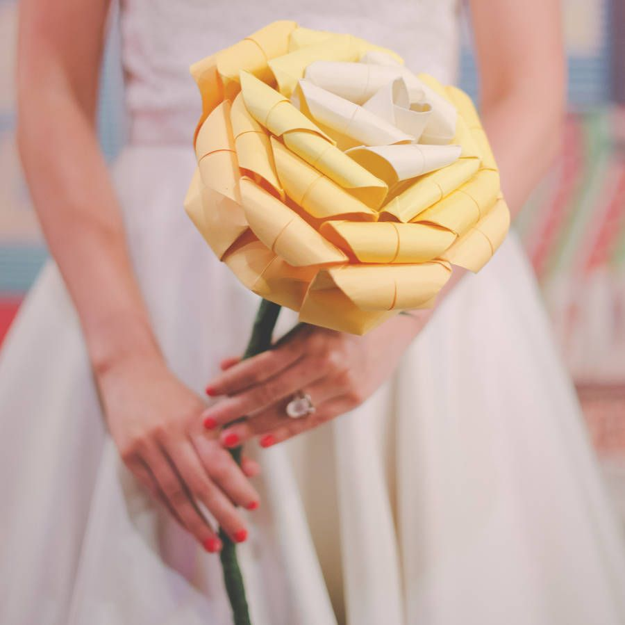 Giant Paper Origami Rose Wedding Bouquet | Origami rose, Origami and ...