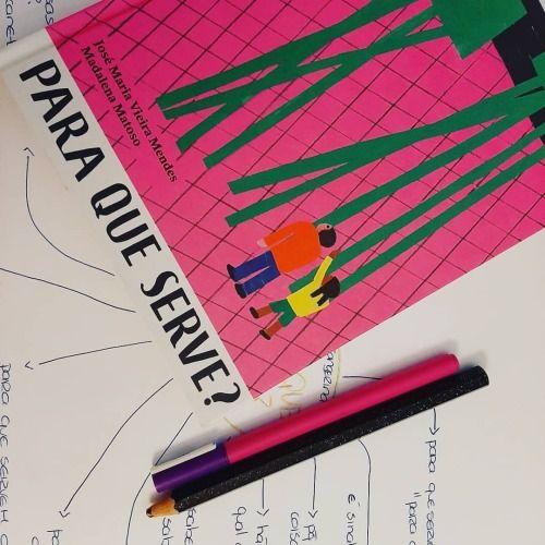 Um livro da editora Planeta Tangerina