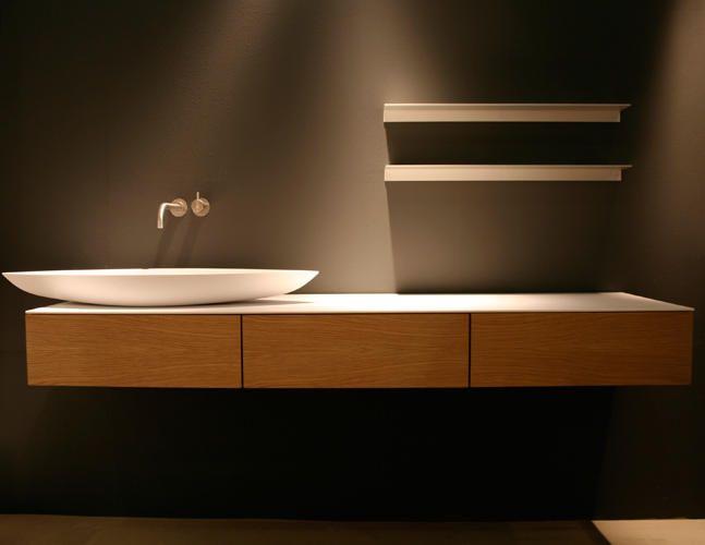 Zwevend badmeubel met 3 kleplades wastafelmeubel pinterest badkamer wastafelmeubel en met - Badkamers bassin italiaanse design ...