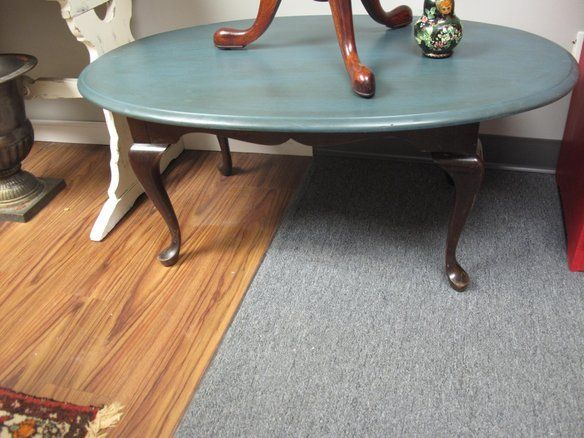 High Quality Antique Style Penn. House Coffe Table Painted Top