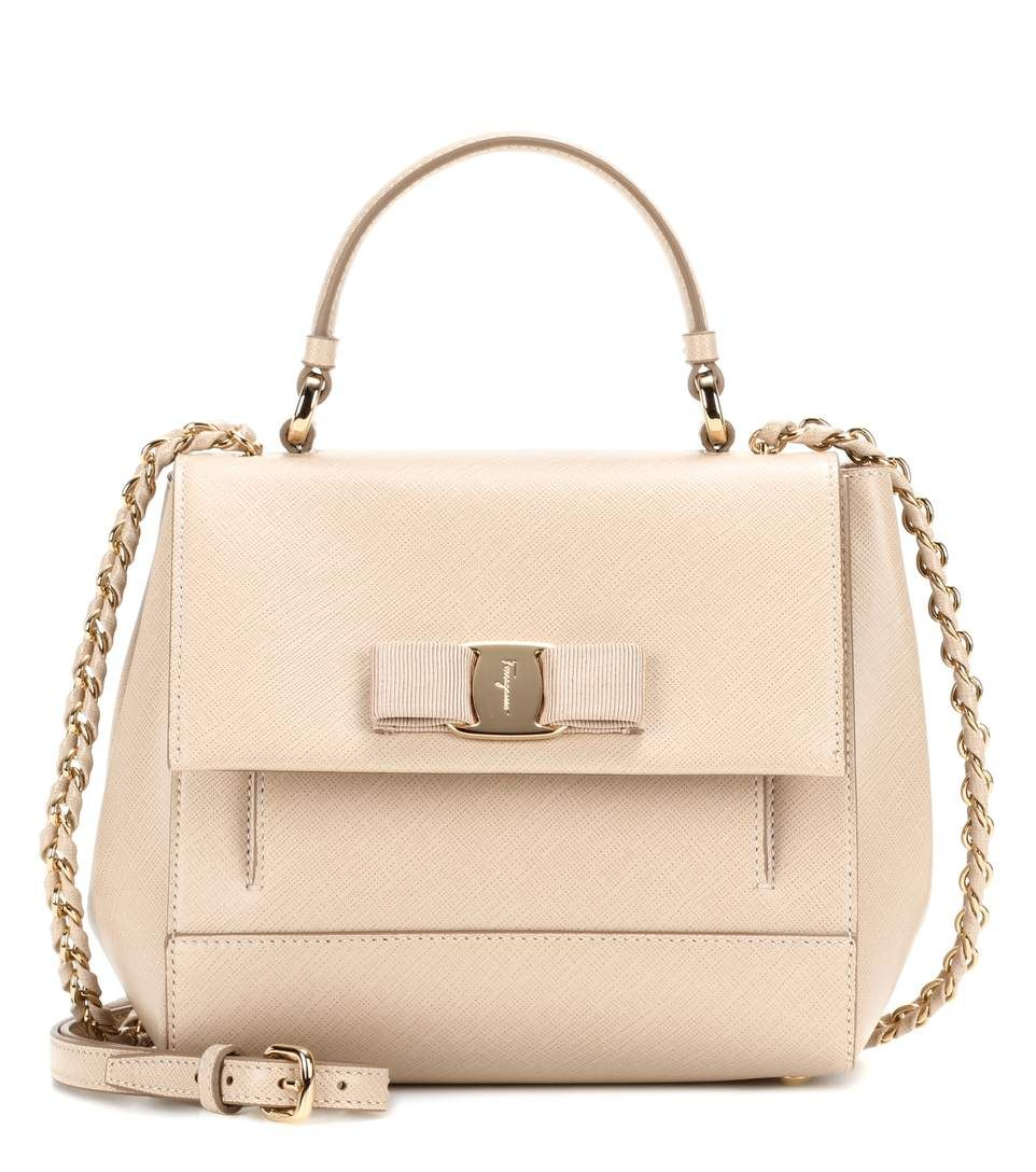 a9a4e81c8013 SALVATORE FERRAGAMO Carrie leather shoulder bag.  salvatoreferragamo  bags  shoulder  bags  hand bags  leather  lining