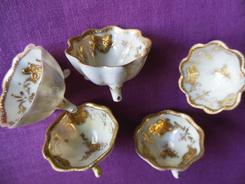 Beautiful vintage salt cellars set of 4 - Antique Footed Nippon Salt Cellars Hand Painted Gold Gold Edge Beading Fluted