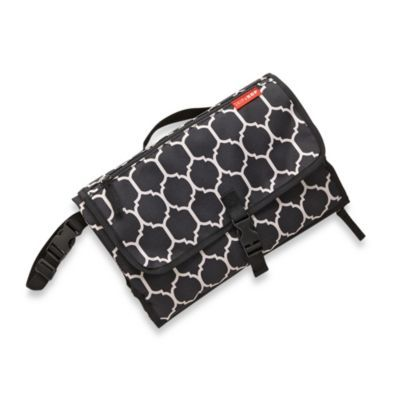 http://www.applepiebaby.it/Kit-cambio-tutto-in-uno-Pronto-onyx-Skip-Hop-p696.html