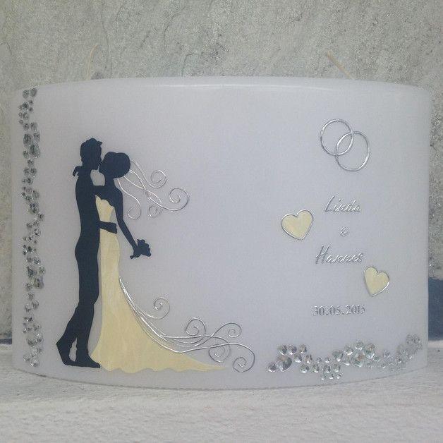 Diese edle Hochzeitskerze wurde mit Effektwachsen gestaltet