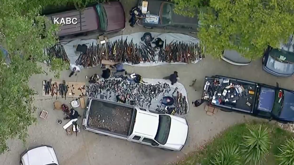 Watch Police In Los Angeles Seize Thousands Of Firearms In A Raid With Images Raid Police Los Angeles