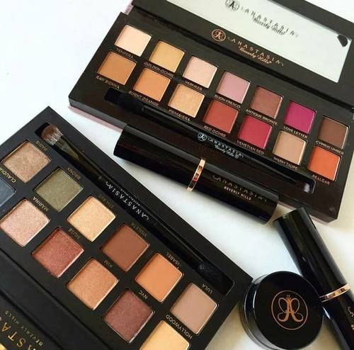 Fashion Beauty Zone: Anastasia Beverly Hills Pinterest // Carriefiter // 90s