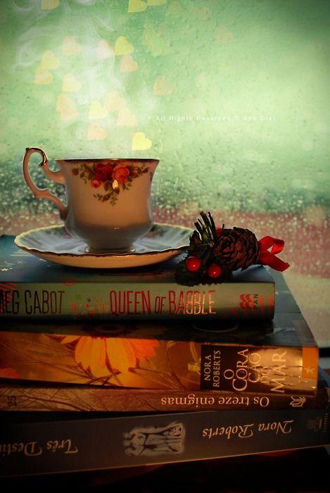 Tarde lluviosa con un té y un buen libro...inmejorable!