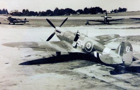 "Supermarine Spitfire Mk.IX, MK805, SH-B ""Peter John III"", 64 Squadron, pilot F/Lt. Anthony (Tony) Cooper, summer 1944"
