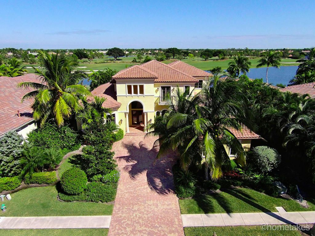 West Palm Beach Fl Has Gorgeous Homes Great Schools And Great Year Round Weather Find Your Next Home On Cruvita With Images Vacation Home Next At Home West Palm Beach