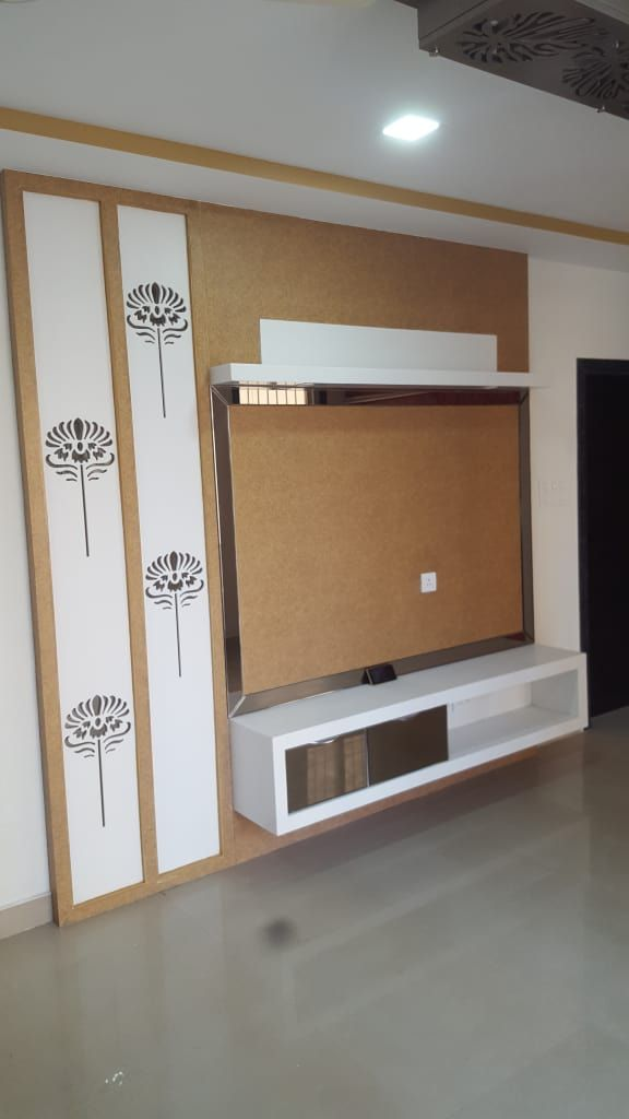 Lcd Panel Design Interior: Mr.sanjay Kukara Residence Modern Living Room By Creations