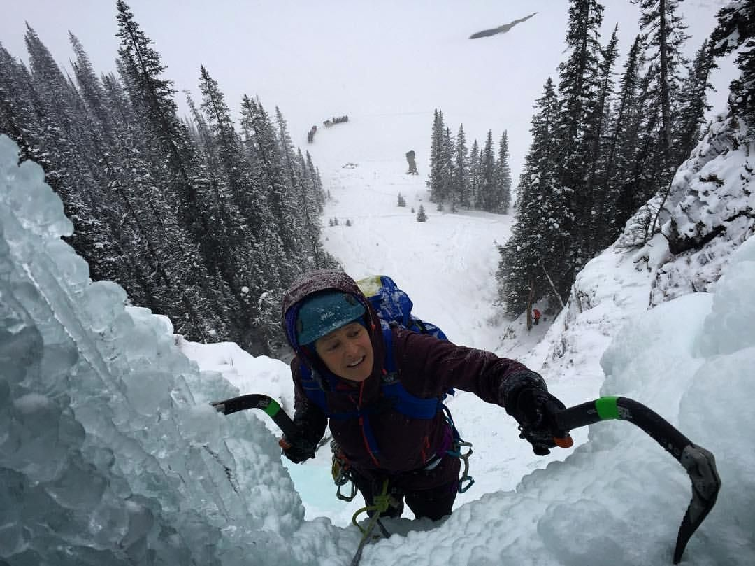 From @huens | @claire.dionne making her way into the #louisefalls cave yesterday on her last day of Canadian Rockies ice for a while. Fun day out there working with @jediahporter and Andrew and Cole and Seb and Kurt! Always a classic route! @outdoorresearch @scarpana @sterlingrope @onwardup_official | Posted on December 23, 2016