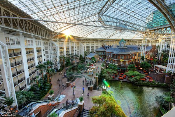A view of the Delta Island area of the Gaylord Opryland Resort. Click the photo to read more about it.
