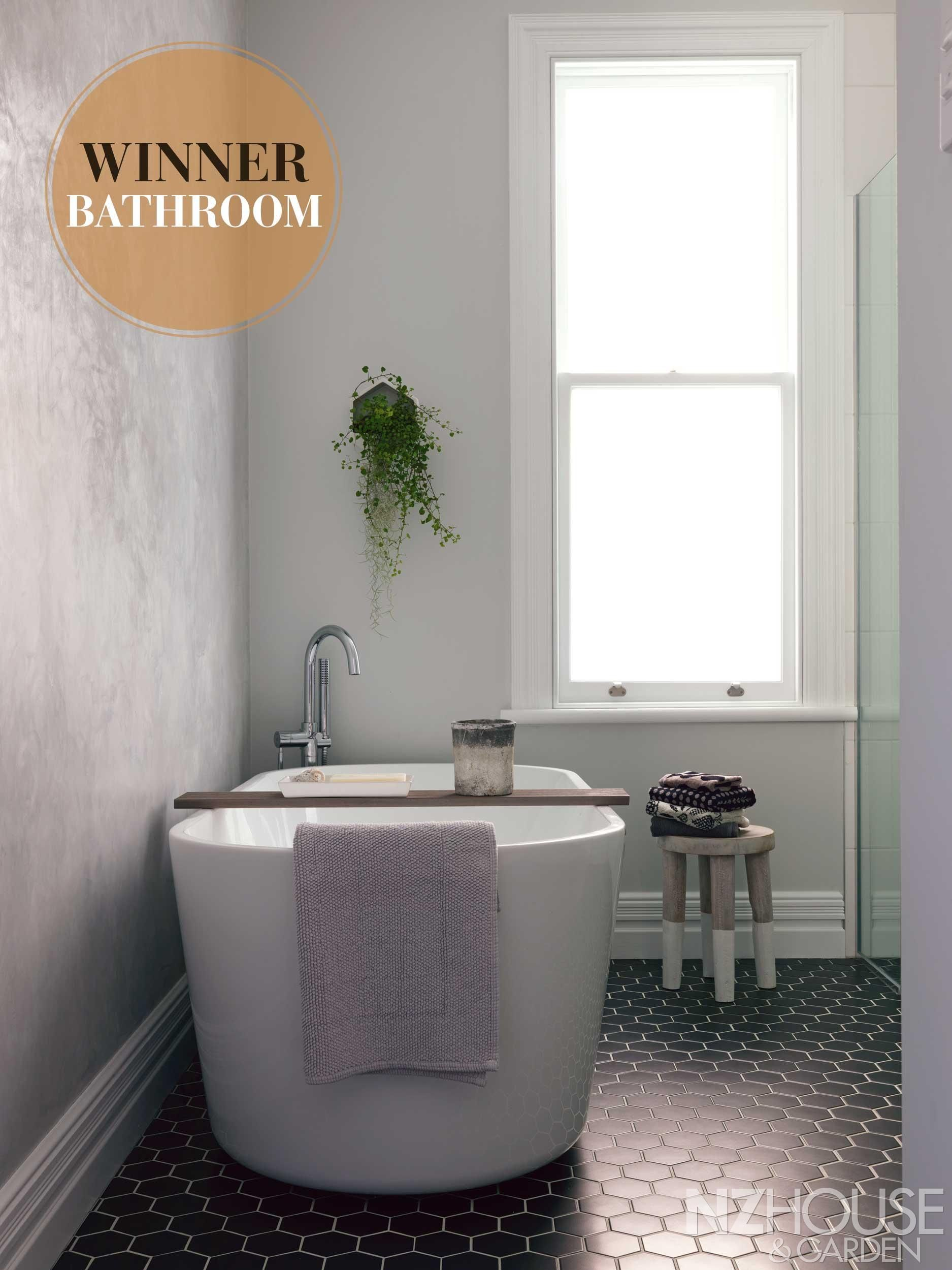 Auckland The Owner Of Last Year S Winning Bathroom Greer Clayton Got Her Hands Dirty During Creation This