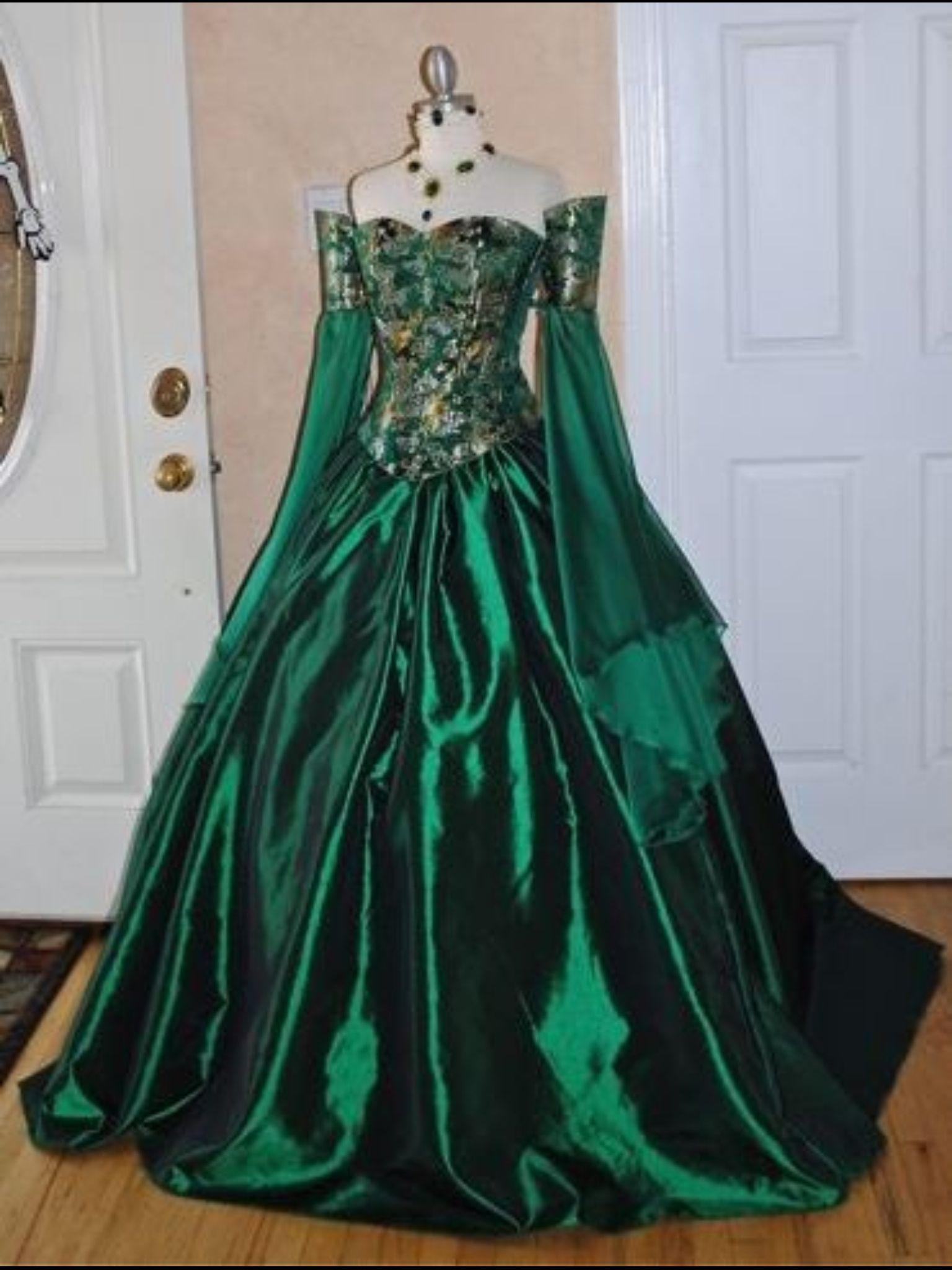 Emerald dress Victorian ball gowns, Fantasy dress, Ball